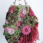 Купить Сумочка валяная. Олива - оливковый, ягоды, ягодка, оливки, сумка с декором, сумочка на цепочке