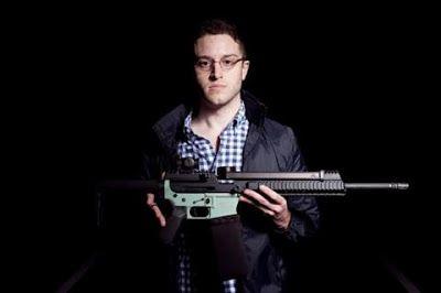 Cody R Wilson ha encontrado la manera de imprimir un rifle semi-automático desde la comodidad de su casa. Ahora está poniendo en líneas la información para que otros...