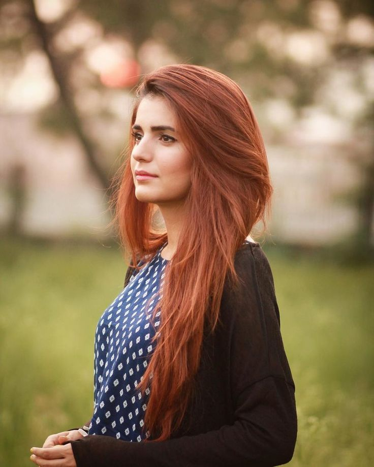 Momina Mustehsan Pakistani singer amongst many things