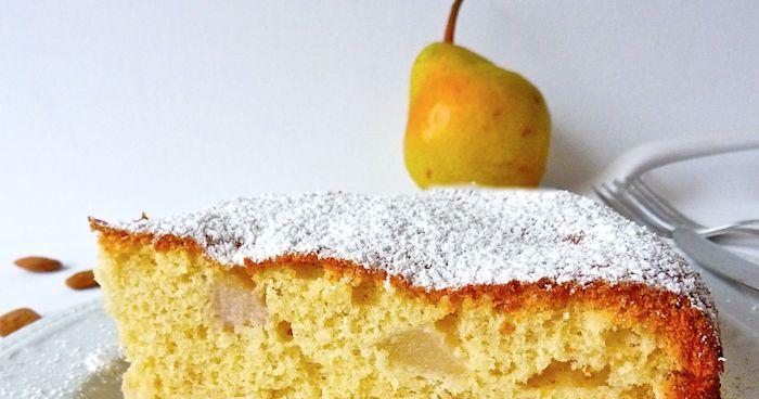 La ricetta di questa deliziosa torta l'ho vista tempo fa nel blog di Caia . E' leggerissima e nonostante non abbia ne burro, olio e l...