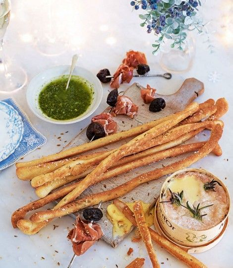 472127-1-eng-GB_fennel-and-sesame-seed-breadsticks