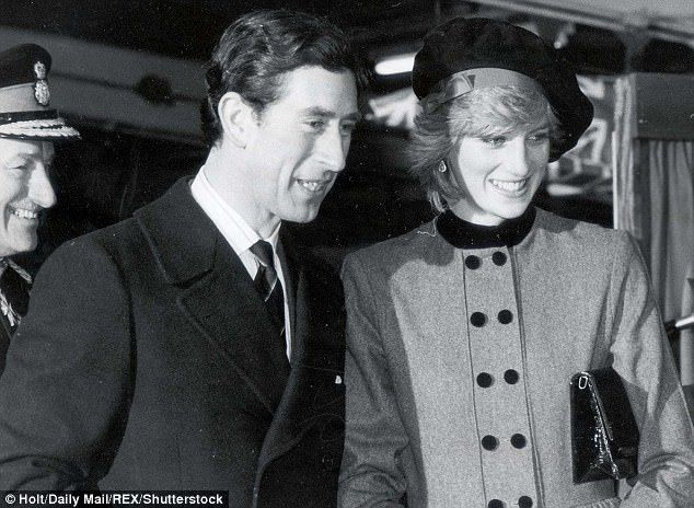 In 1981 Prince Charles and Princess Diana married in 1981. Above the pair are seen on their engagement day