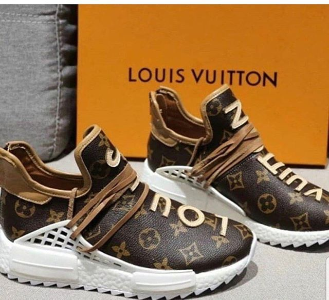 fb71b2cf1f8 LOUIS VUITTON YEEZEY  225 (TAKING DEPOSITS OF  50 FOR ORDERS ONLY ...