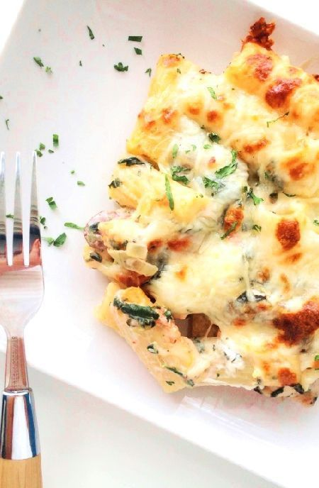 Low FODMAP Recipe and Gluten Free Recipe - Italian chicken with cheese & spinach #lowfodmaprecipes    http://www.ibs-health.com/low_fodmap_italian_chicken_cheese_spinach.html