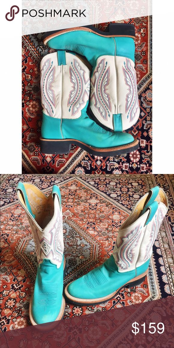 Gorgeous Justin turquoise cowboy boot This beautiful pair of cowgirl boots are made of geniune leather, with detailed stitching all along the tongue and sides. These vintage boots have never been worn, but are slightly faded on the tip from the sun. Justin is an extremely well known brand of high quality cowboy boots. These should hold up for a long time! Justin Boots Shoes