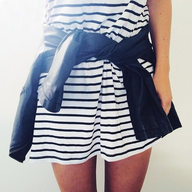 Minimal + Classic: stripe shirt around waist @seewantshop | @Laura Jayson Hunter Land Fashion