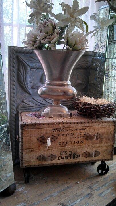 Cool Wooden Coffee Table With Wheels. MöbelprojekteSelbstgemachte MöbelHeimwerkerprojekteUmfunktionierte  ...