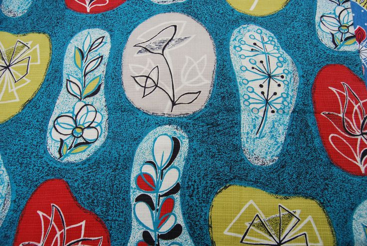 Mid-century modern pattern from Lucienne Day. Via Seasidesisters.co.uk.