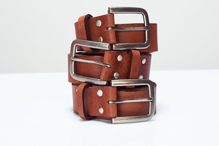 Signature 40mm Wenska leather goods jean belt in tan brown. #vegtanned #belt #wenskaleathergoods #wlg #ladyleathermaker #polishdesigner #handcrafted #leathergoods