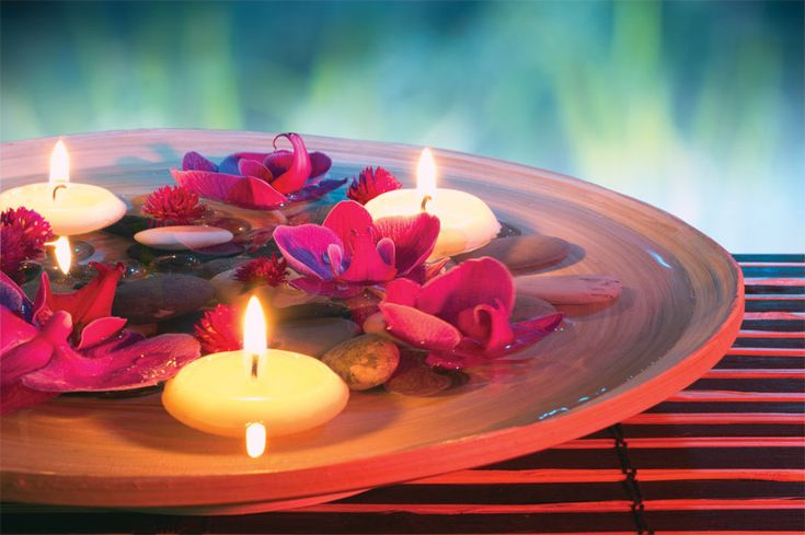 Message candles are special types of candles that can be used as a candle, moisturizing lotion and message spa all in one. In candle message spa, the texture of the wax is very significant.