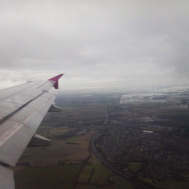 #beautiful #sky #land #two #worlds #snow #and #green #grey #uk #gb #memories #holiday #2015 #winter #plane #fly #travel #stevenage #hitchin #luton #london #letchworth