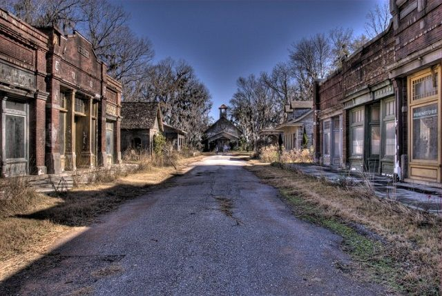 5. If you're a fan of films, you can take a drive to the fictional town of Spectre  from Tim Burton's film, Big Fish. This fictional town is an abandoned film set that's situated on a private island along the banks of the Alabama River.