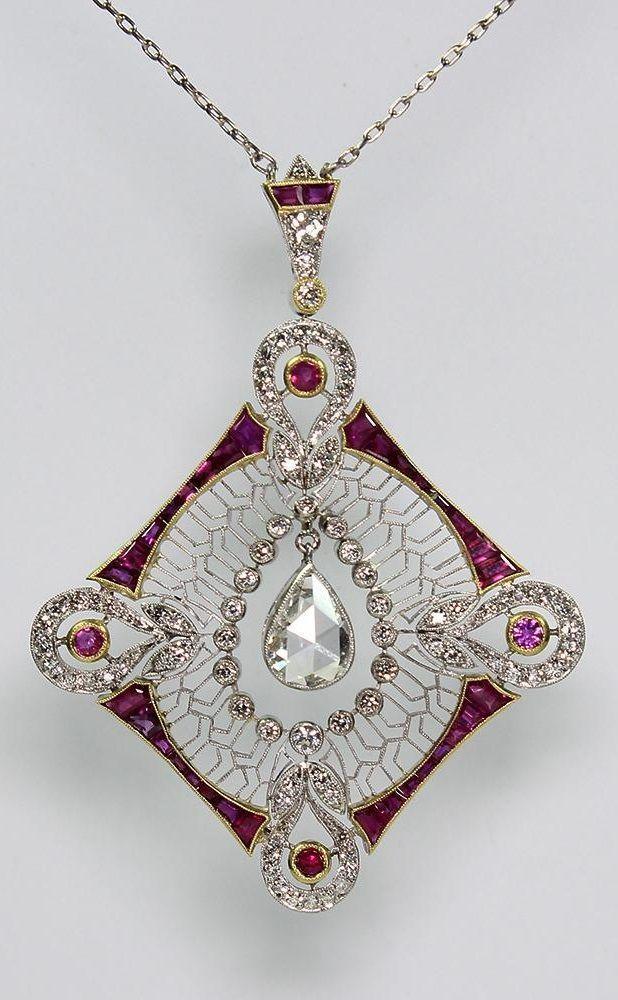 Ein edwardianischer Anhänger aus Platin, Diamant und Rubin. #jewelrynecklaces #… – DIY Best Jewelry