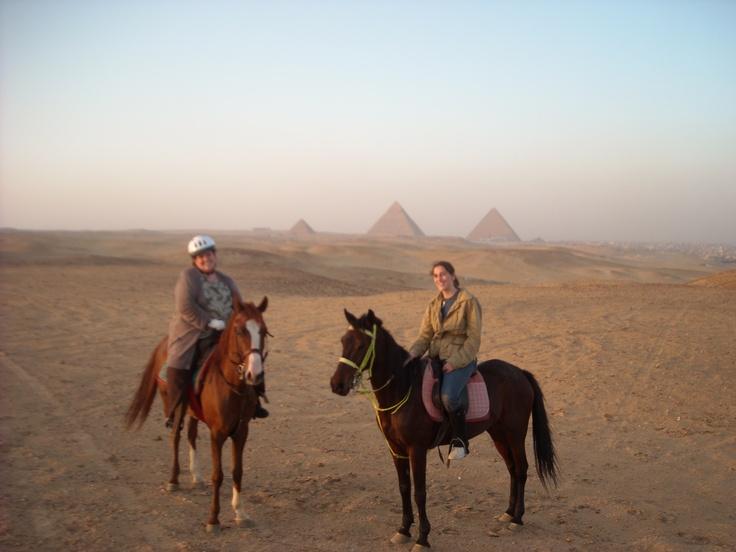 لو عايز تحجز رحلة لركوب الخيل و البيتش باجي في الهرم احجز عندنا في اي وقت مناسب لك