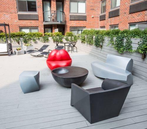 101W15 courtyard