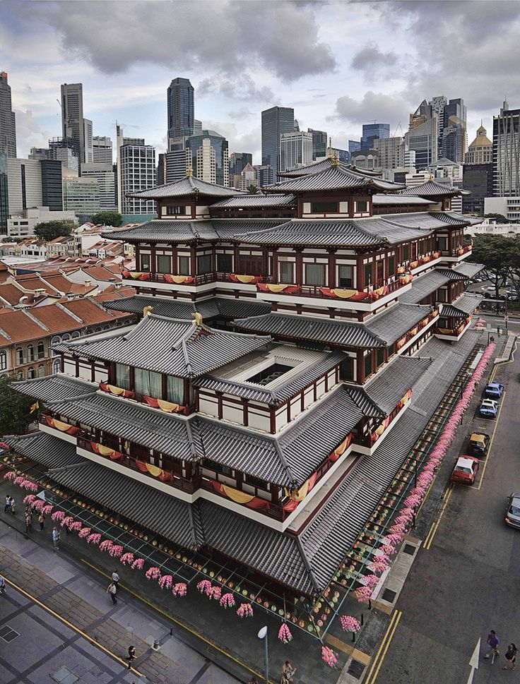 Chinatown. Buddha Tooth Relic Temple and Museum. Singapore 32