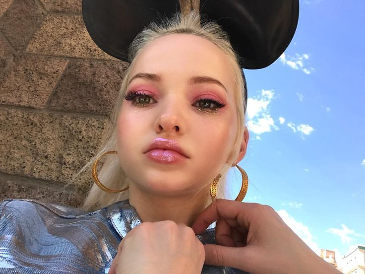 """618.6k Likes, 2,684 Comments - ♡DOVE♡ (@dovecameron) on Instagram: """"duh, 🐭"""""""