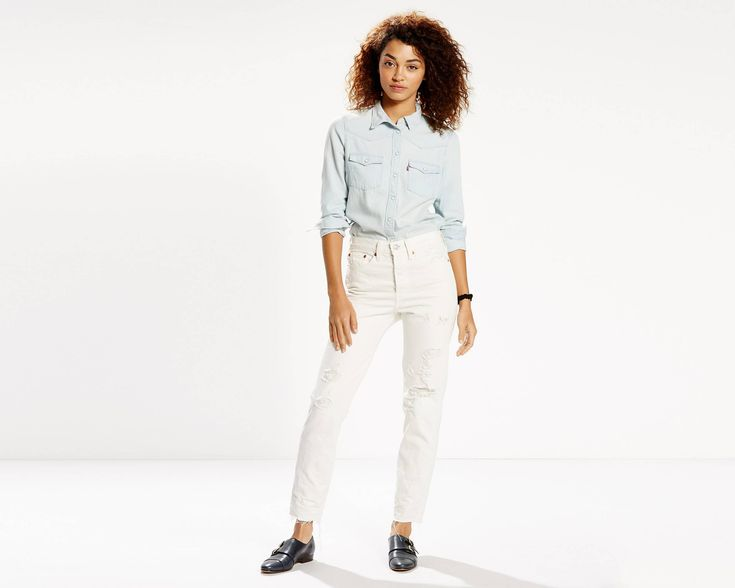 The cheekiest jeans in your closet. Inspired by vintage Levi's® jeans, it hugs your waist and hips to showcase your best assets. This pair features a raw hem.