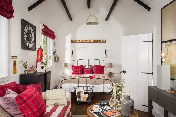 Luxury Cottages in Wales - Luxury Cottages Pembrokeshire, Wales, The Cable Hut, UK