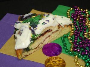 It's Mardi Gras time!  King Cake.... mmmmmm