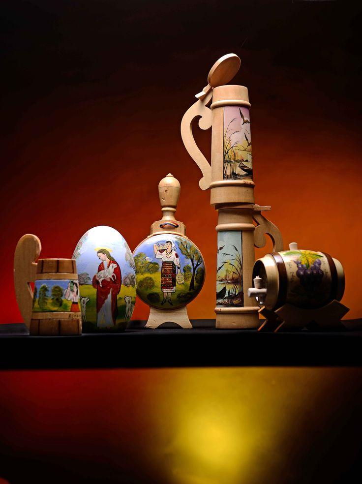 Obiecte decorative din lemn, sculptate si pictate manual www.artandcraft.ro