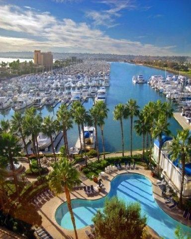 Para los que lleguen hasta California...    San Diego, CA. Marina Hotel. Unas vistas perfectas sobre el puerto deportivo.