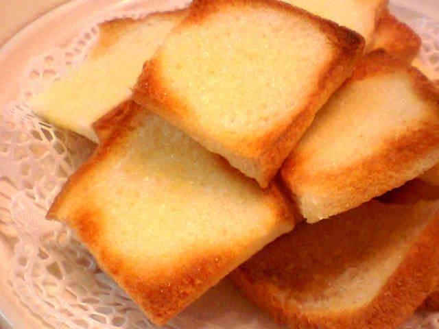 レンジで5分☆簡単食パンラスクの画像