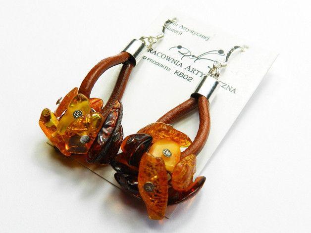 *D.A.B* - Kolczyki Bursztyn  Wyjątkowe kolczyki.  Kolczyki wykonane z Bursztynu Bałtyckiego. Bigle wykonane są ze srebra o pr. 925.…