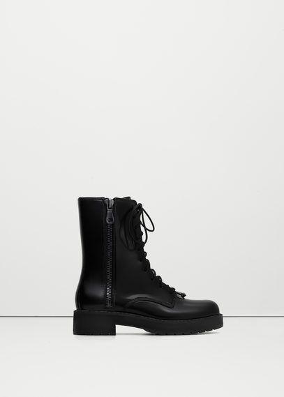 Глянцевые ботинки со шнуровкой