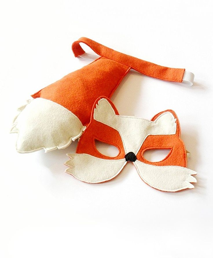 Fox mask and tail for children for Halloween and Carnival. Easy to put on fox costume for young kids that can be worn with everyday clothes.