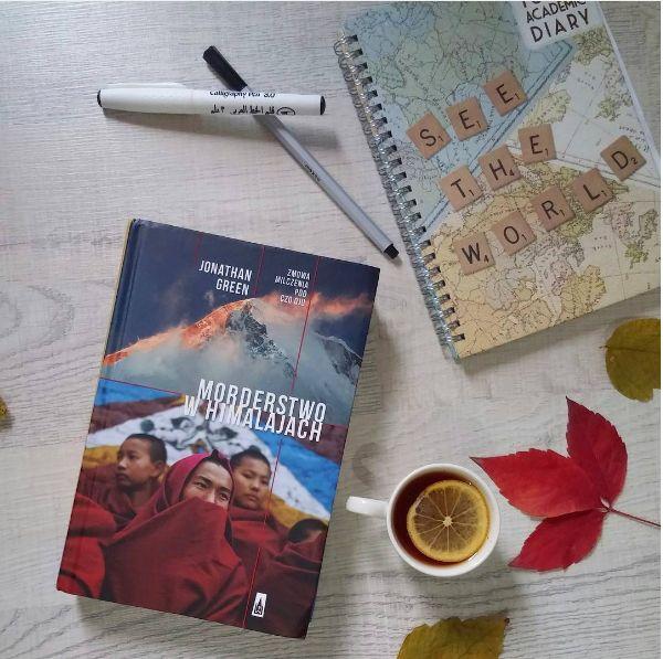 """""""Przecież to książka o Stambule! O mieście-potworze, o mieście bez ładu i składu, które kocha się, ale najwyżej miłością wariatki do socjopaty. W tym szaleństwie jest metoda.""""     """"Morderstwo w Himalajach Jonathana Greena (...) to reportaż o zabicu Kelsang Namtso, dziewczyny uciekającej z Tybetu do Indii przez Himalaje. Tym, co uderzyło mnie w tej historii – oprócz oczywistego łamania praw człowieka i brutalności chińskich władz – była reakcja alpinistów na całe zdarzenie."""""""
