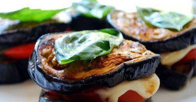 """Овощи на мангале  В пору шашлыков овощи, мясо и рыба - желанные """"гости"""" на мангале! Готовим овощи на мангале, а из овощей готовим сэндвич!  Такое блюдо подойдет для вегетарианцев и оно не содержит глютена! Кроме того - вкусно и полезно!"""