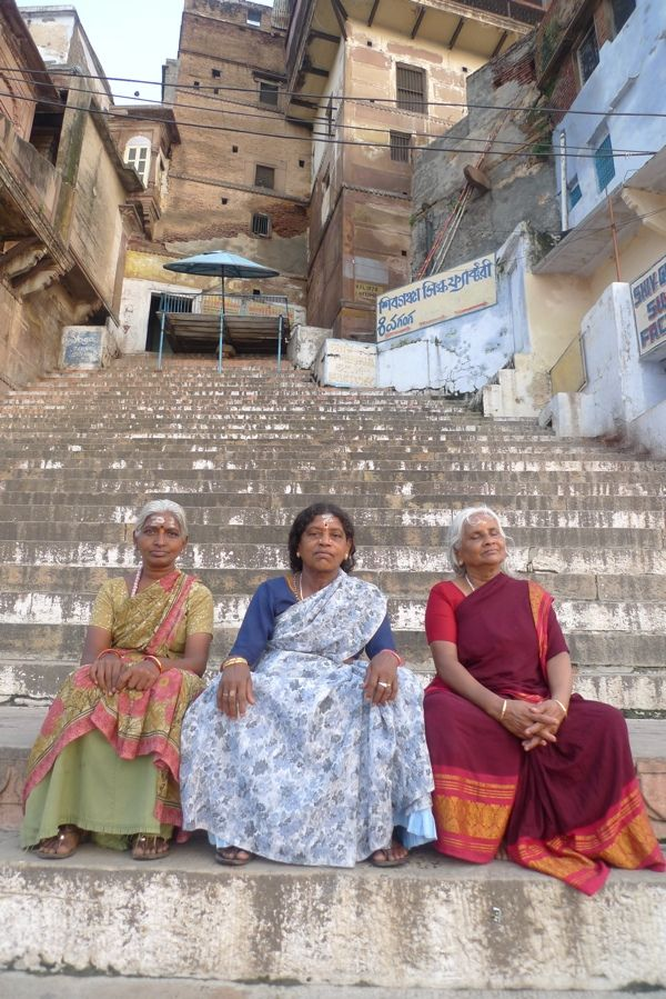 Ladies on the ghats | The ghats of the Ganges at dawn. Varan… | Flickr