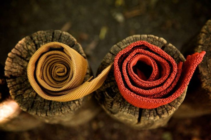 Honey-gold silk woven grenadine & Salmon-pink knitted silk.