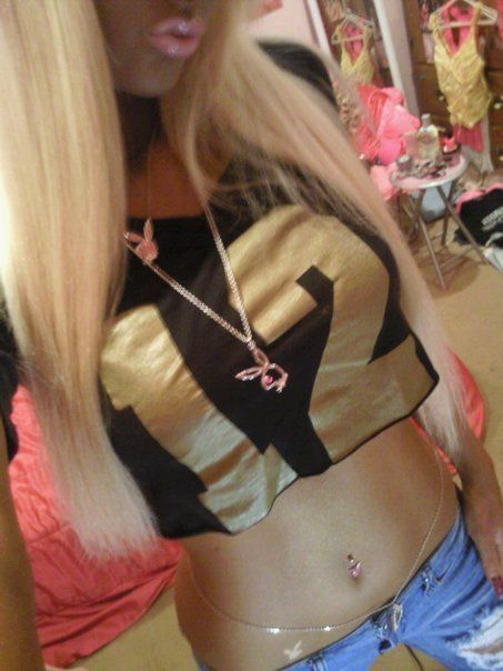 Blonde teen real belly punch — pic 14