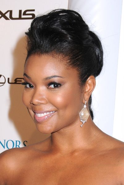 A great actress & she's hot! Easy, but slick hairdo! Get the look with Goldilox Hair extensions.#hair #fashion #celebrity