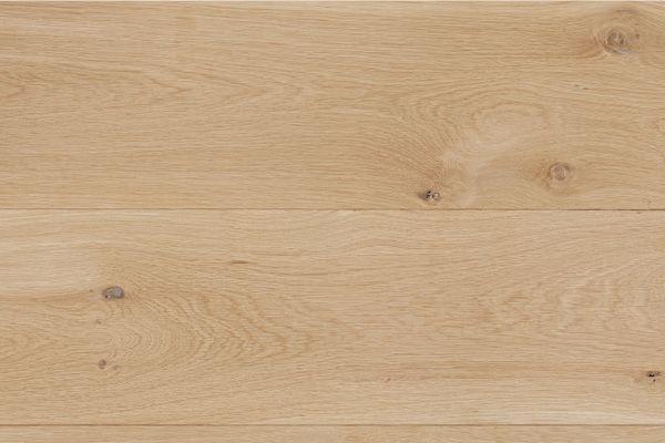 ユーロオークナチュラルS 220 用途 [仕上] フローリング(無塗装品) 材質:欧州産ホワイトオーク 規格:20×220×乱尺 等級:ナチュラル(節や濃い色むらを含みます) 梱包:都度協議