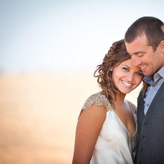 This Australian bush wedding looks amazing, rustic details, elegant bride, beautiful wedding photos and magical reception decor!