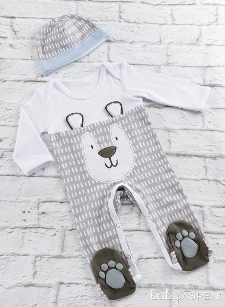Baby Aspen's eye for style is on display in our Trendy Baby Bear 2-Piece Pajama Gift Set. There are so many little details that set this trendy baby gift set apart from others! | Trendy Baby Bear 2-Piece Pajama Gift Set | Baby Aspen
