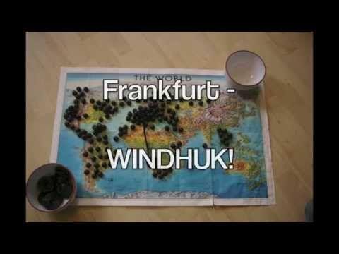 Neulich fand ich mich tatsächlich mal in einer Situation wieder, wo ich mich zwischen all den weißen Flecken auf meiner persönlichen Landkarte nicht so richtig entscheiden konnte. Wieder nach Asien? Südamerika? Australien? Zu Hilfe kam mir letztendlich eine Schale mit Lakritz sowie die Weltkarte, die seit Jahren mein Badezimmer schmückt.   See more at: www.life-is-a-trip.com/video-wie-man-mit-lakritz-das-naechste-reiseziel-bestimmt/