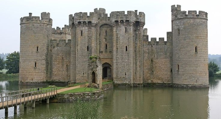 It's Time to Build a Moat around Your Portfolio - https://www.richardcyoung.com/investing-2/time-build-moat-around-portfolio/ - Buy low, sell high. A simple concept. Hard to do. Just ask the baby boomers. They are the wealthiest generation in U.S. history. And they've never felt richer. That's because the oldest of the boomers, those who turned 65 in 2011, have witnessed an advance in the S&P 500-stock index of 91...