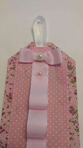 Porta tiaras floral e poá rosa