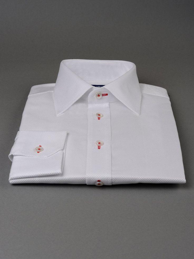 Sartoria Gemelli koszule klasyczne zawsze w modzie, zapraszamy do galerii i do naszego sklepu z koszulami dla wymagających Panów.