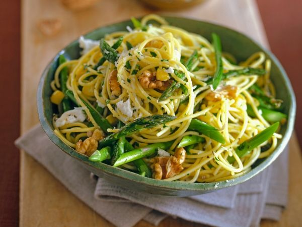 Pasta met boontjes en asperges - Libelle Lekker!