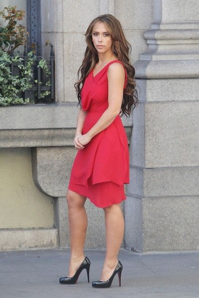 "Jennifer Love Hewitt Photo - Jennifer Love Hewitt wears a red dress and black heels as she films scenes for ""The Client List"""