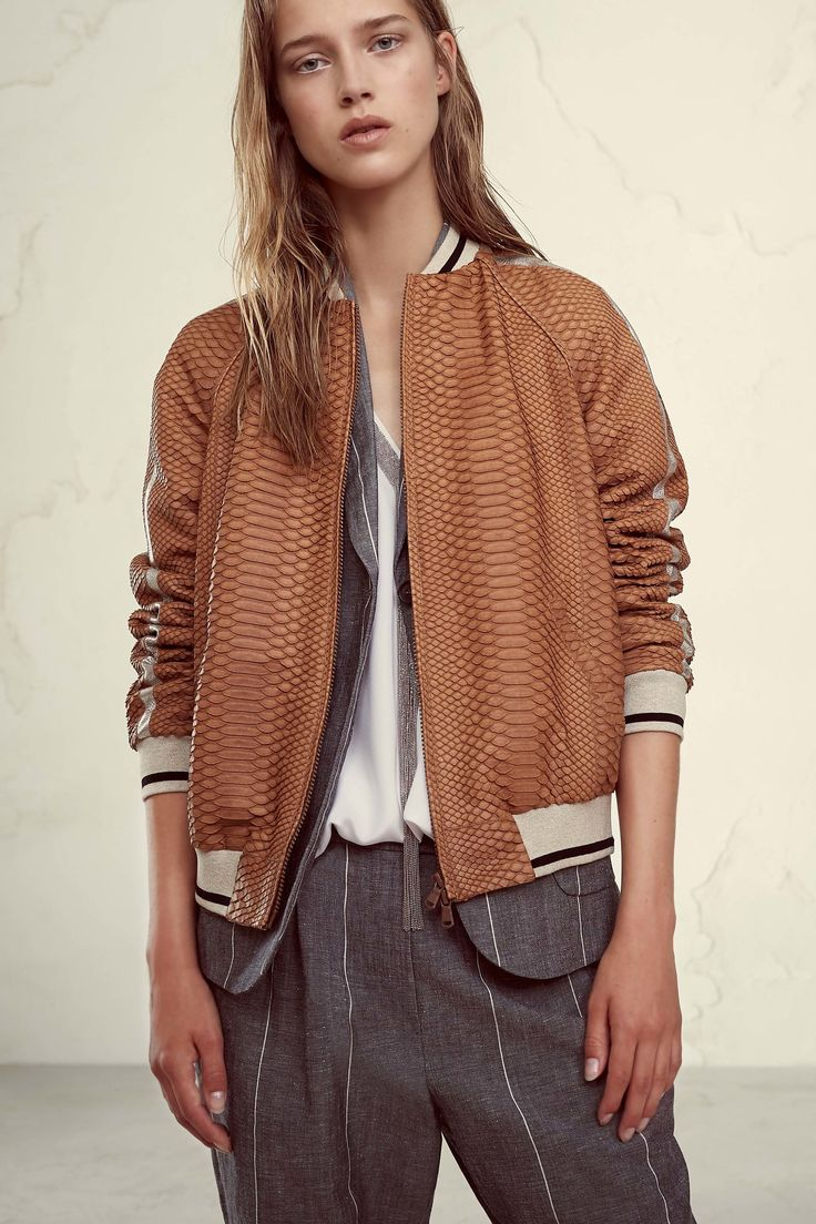 The complete Brunello Cucinelli Spring 2017 Ready-to-Wear fashion show now on Vogue Runway.