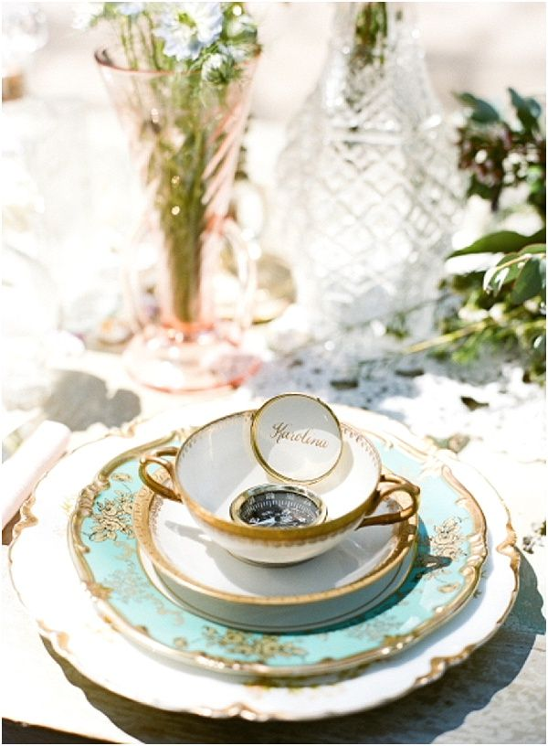 vintage place setting | Image by Raquel Leal | Read more http://www.frenchweddingstyle.com/vintage-chic-french-wedding-inspiration/