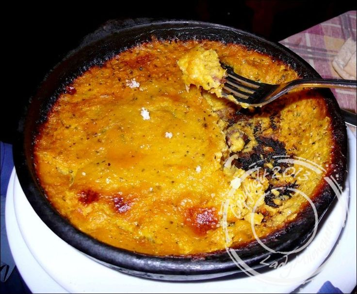 Voici un plat traditionnel venu tout droit du Chili. Ce « gâteau de maïs» propose une combinaison sucré-salée insolite qui saura réchauffer vos soirées d'hiver !  Préparation : 30 min Marinad...