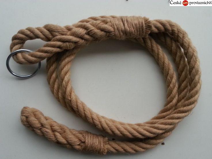 Šplhací lano vyrobeno z kvalitního jutového stáčeného lana.  Smyčka a konec lana je zapleten ručně