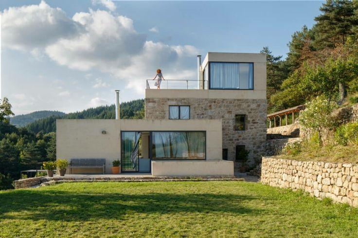 Maison ultra moderne en France, en Ardèche